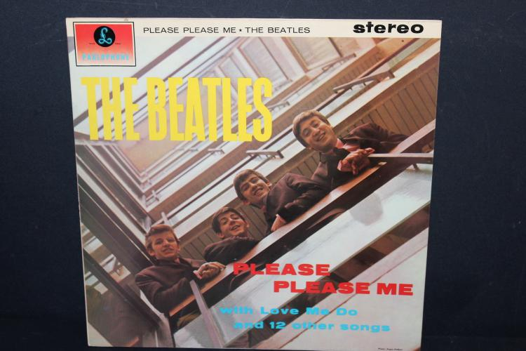 THE BEATLES PLEASE PLEASE ME 1963 EMI RECORDED IN BRITIAN LIKE NEW
