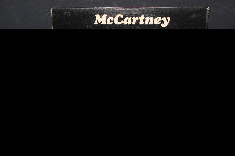 MC CARTNEY APPLE RECORDS WRITTEN AND PRODUCED BY PAUL MC CARTNEY RECORDED IN ENGLAND LIKE NEW GATEFOLD