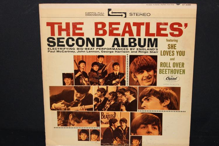 BEATLES 2ND ALBUM RECORDED IN LONDON CAPITAL RECORDS LIKE NEW