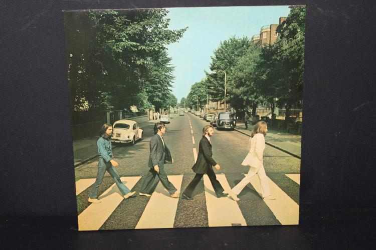BEATLES ABBEY ROAD MADE IN HOLLAND LIKE NEW APPLE ROAD