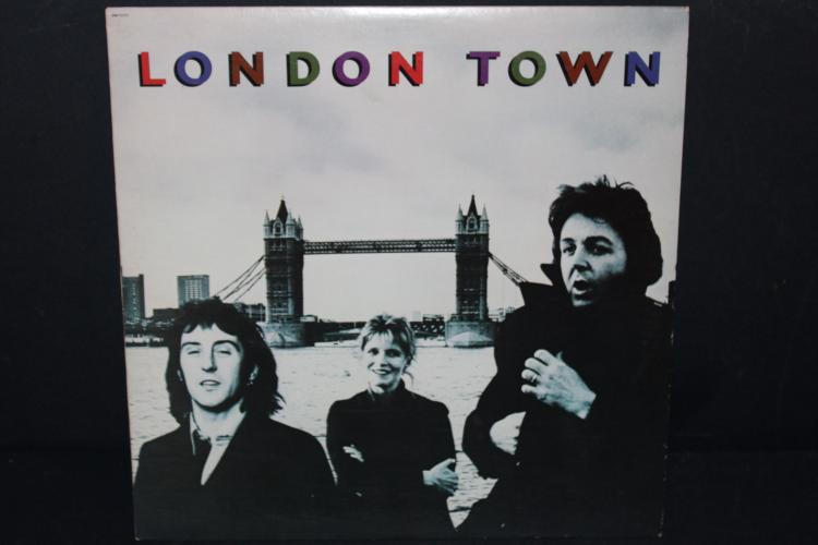 LONDON TOWN PAUL MC CARTNEY AND WINGS CAPITAL 1978 SW11777 LIKE NEW