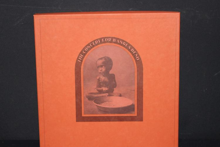 THE CONCERT FOR BANGLADISH GEORGE HARRISON AND FRIENDS STARR, JAGGER, CLAPTON, LIYNNE, DYLAN, PLUS OTHERS – 3 RECORD SET LIKE NEW WITH 63 PAGE BOOKLET FROM CONCERT APPLE RECORDS