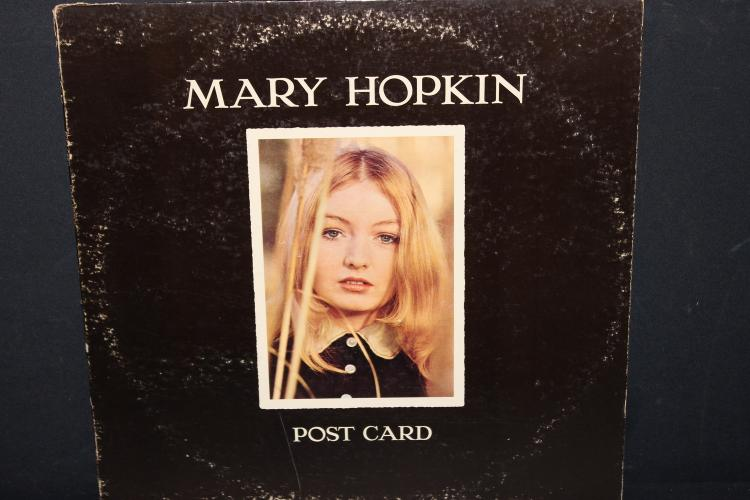 MARY HOPKIN POST – CARD APLLE RECORDED IN ENGLAND LIKE NEW