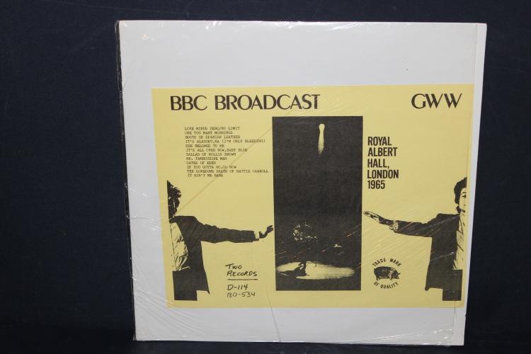 RARE DYLAN PERFORMING AT THE ROYAL ALBERT HALL LONDON 1965 2 RECORD SET LIKE NEW