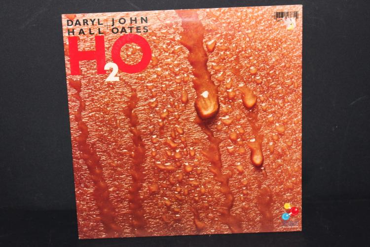 1982 HALL AND OATES H2O VIRGIN MUSIC LIKE NEW