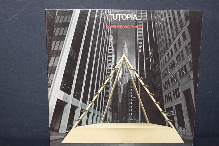 UTOPIA OOPS WRONG PLANET - BEARS BILL RECORDS 1977 FAINT VISIBLE SURFACE BLEMISH PLAYS GREAT