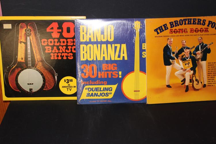 3 SUPER BANJO ALBUMS - BANJO HIS FROM DIFFERENT PICKERS - 1 GATEFOLD ALBUM - ALL NEAR MINTZ 1961- 73- 74