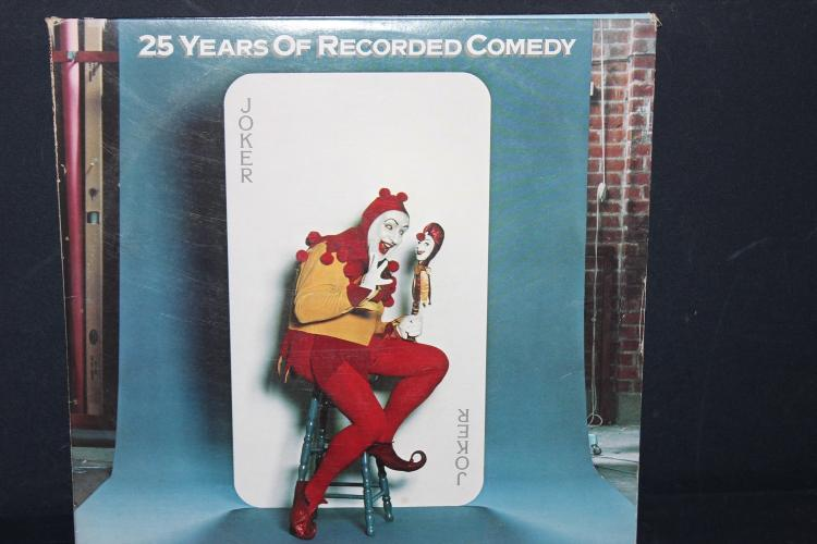 25 YEARS OF RECORDED COMEDY THREE RECORD SET TRIPLE GATEFOLD RECORD 1 TO 2 MINOR VISIBLE SURFACE SCRATCHES DOES NOT HURT PLAY QUALITY 1977 WARNER BROTHERS RECORDS