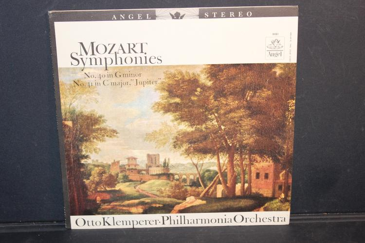 MOZART SYMPHONIES NUMBER 40 AND 41 - ANGEL RECORDS 36183 LIKE NEW