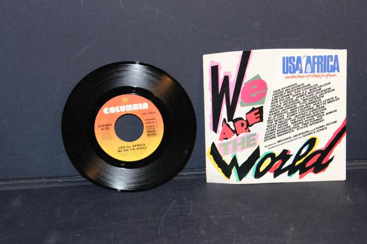 USA FOR AFRICA WE ARE THE WORLD 45 LIKE NEW COLUMBIA US 704839 - 1984