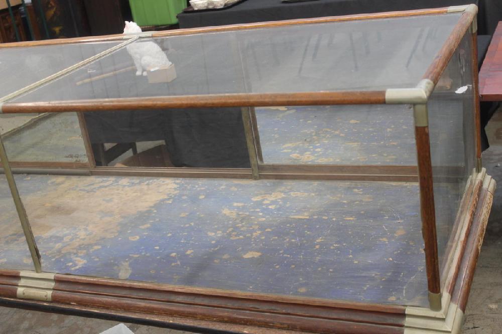 Country Store Countertop Oak Showcase 73 X 26 Needs One Back Door