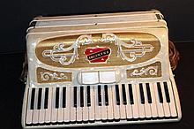 GREAT MADE IN ITALY FRANCINI FULL-SIZE ACCORDION - FANTASTIC ORNATE CASE - WITH ORIGINAL CARRYING CASE