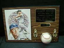 LIMITED EDITION MICKEY MANTLE PLAQUE / SIGNED BASEBALL