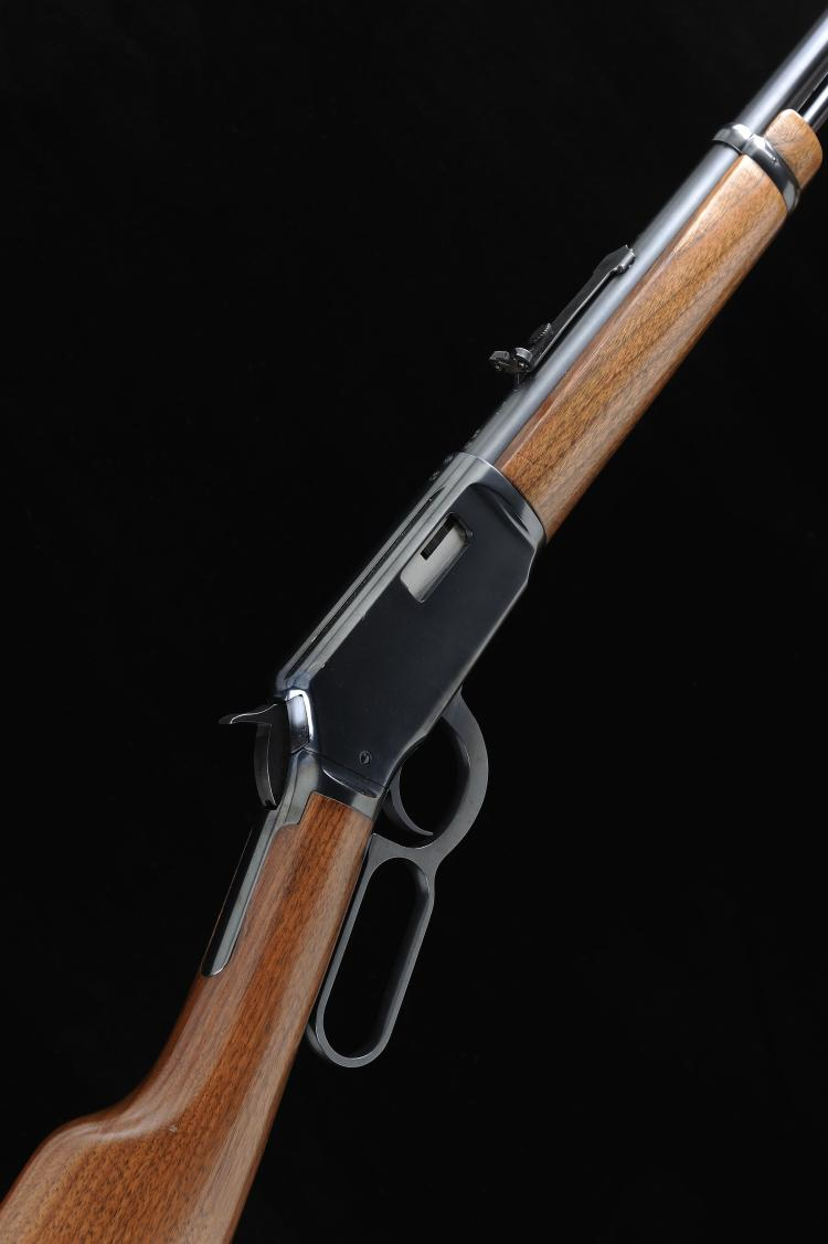 WINCHESTER A .22 MODEL 9422 LEVER-ACTION SPORTING RIFLE, NO. F186795 20 1/2