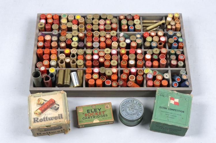 A GROUP OF COLLECTORS SHOTGUN CARTRIDGES approximately 200 paper cased cart