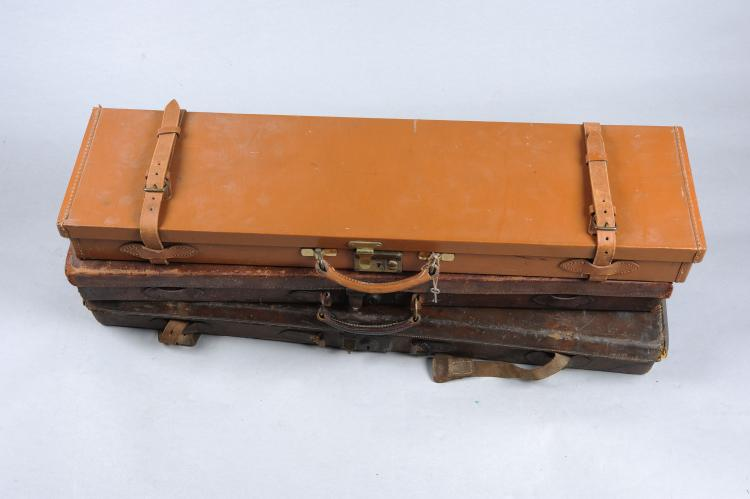 A BRADY-TYPE SINGLE GUN CASE together with two further single leather gun c