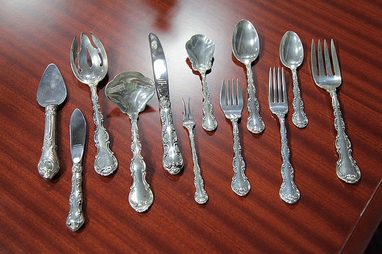 SET OF GORHAM STERLING SILVER FLATWARE.