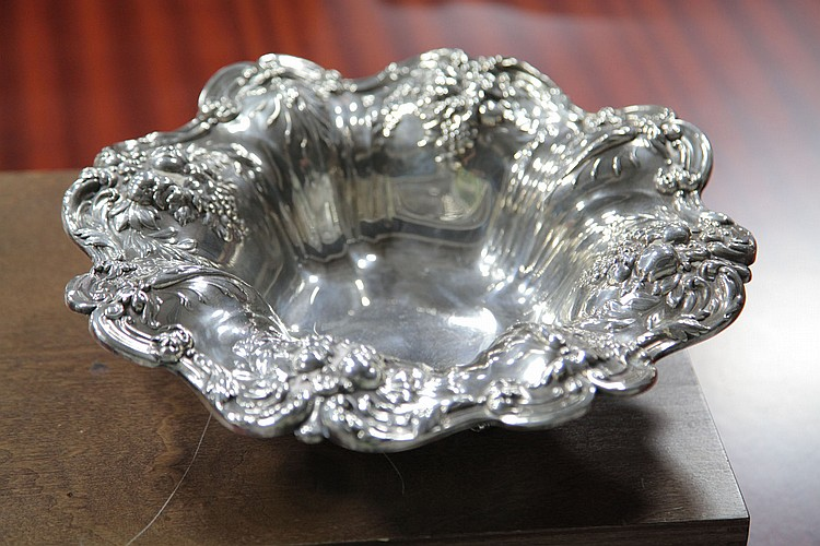 REED & BARTON STERLING SILVER BOWL.