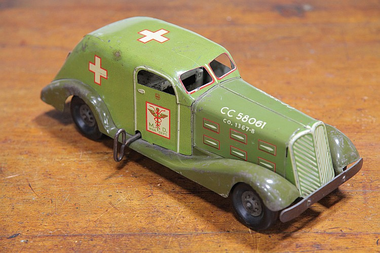 MARX WAR AMBULANCE.