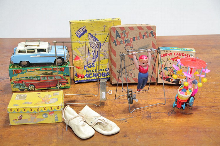 FIVE BOXED TOYS.