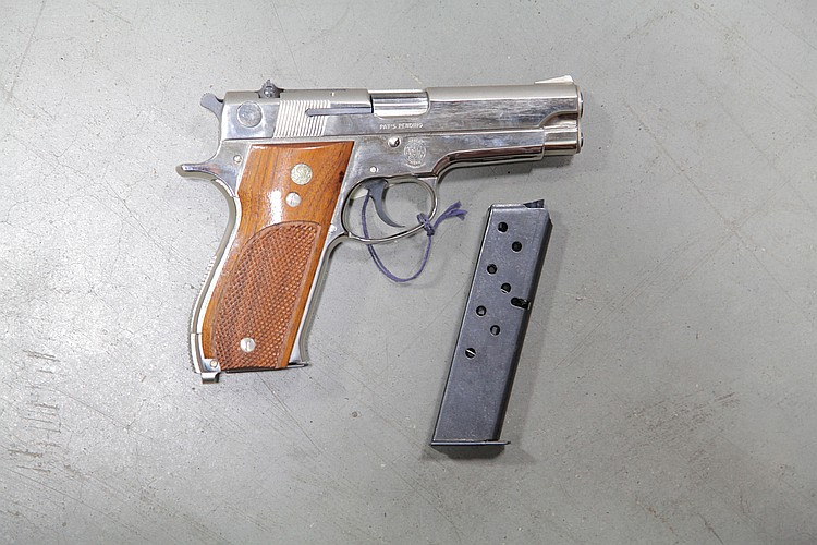 ***SMITH & WESSON 9MM PISTOL.