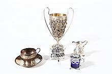GROUP OF SILVER ITEMS.