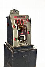 SLOT MACHINE WITH BOX.