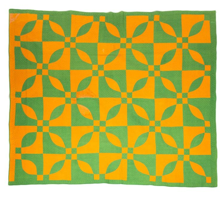 AMERICAN PIECED QUILT.