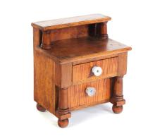 MINIATURE AMERICAN CHEST OF DRAWERS.