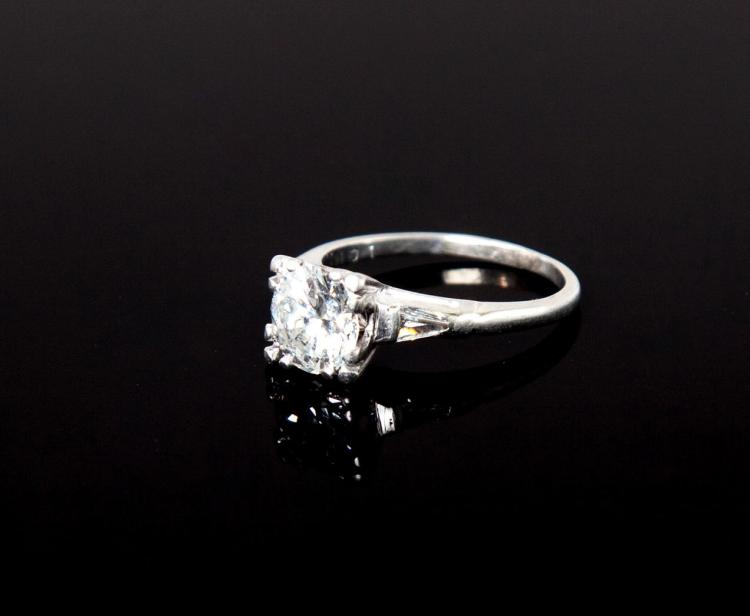 LADIES'' PLATINUM AND DIAMOND ENGAGEMENT RING.