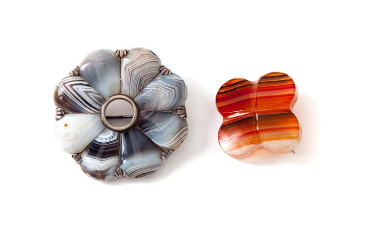 TWO VICTORIAN SCOTTISH AGATE BROOCHES.