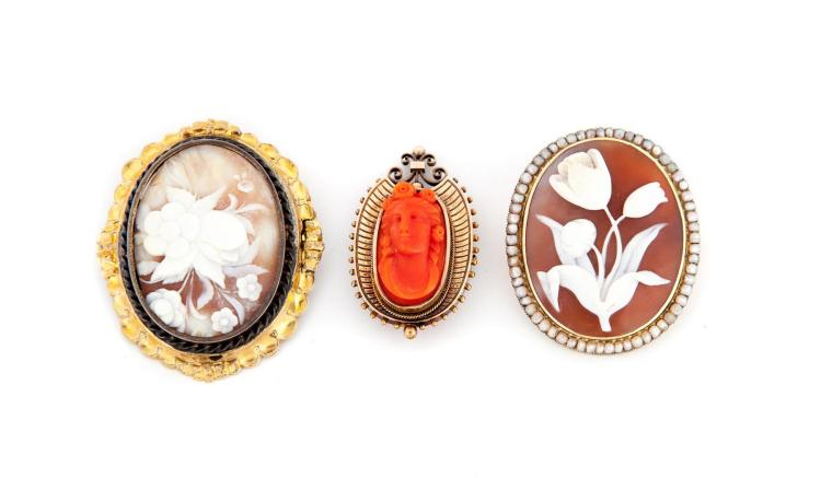 THREE CAMEO BROOCHES.