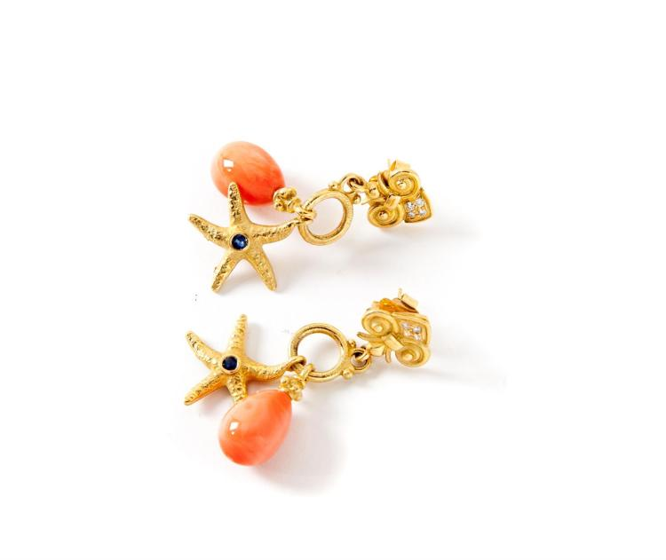 18K GOLD AND CORAL DROP EARRINGS.