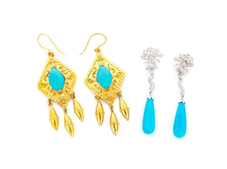 TWO PAIRS OF GOLD AND TURQUOISE EARRINGS.