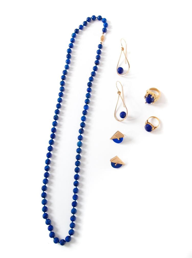GROUP OF LAPIS JEWELRY.