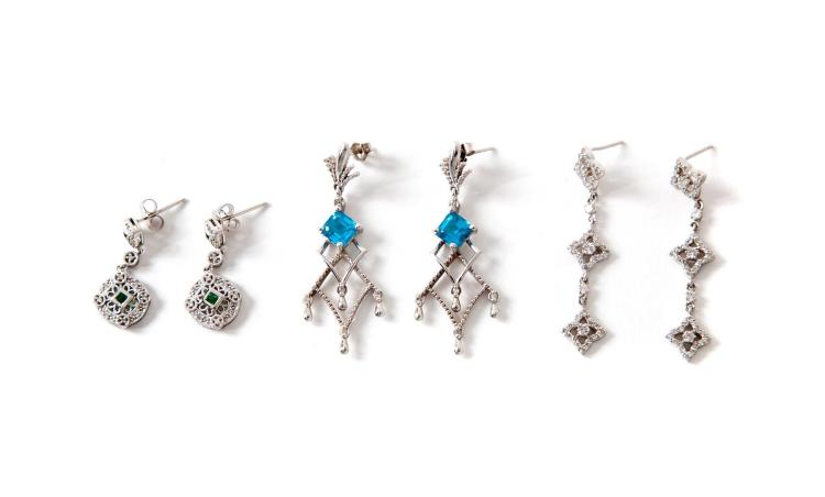 SMALL GROUP OF DIAMOND EARRINGS.