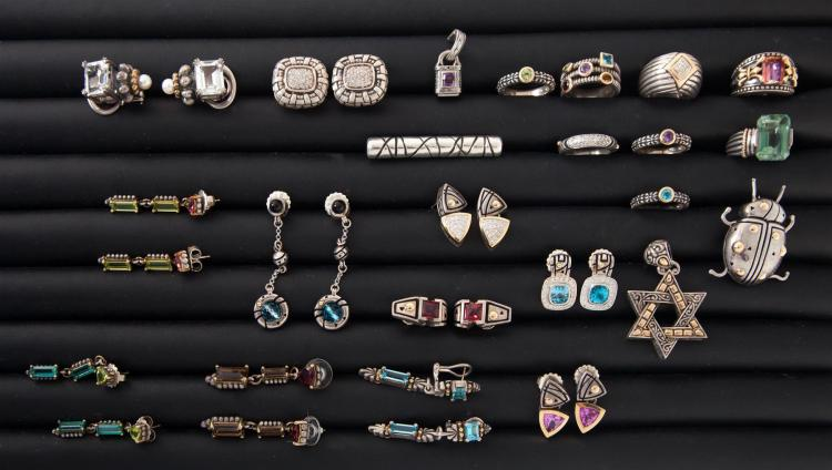 LARGE GROUP OF STERLING SILVER JEWELRY.
