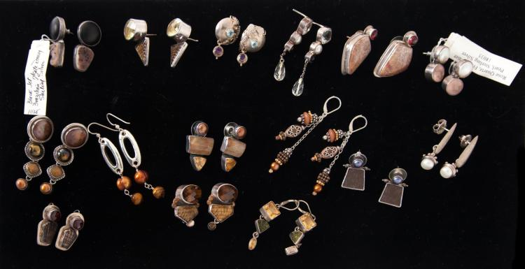 GROUP OF STERLING SILVER AND GEMSTONE EARRINGS.