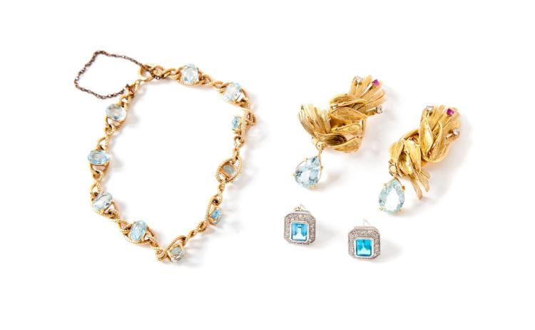 SMALL GROUP OF GOLD AND GEMSTONE JEWELRY.