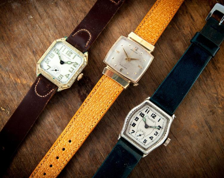 THREE VINTAGE WRISTWATCHES.