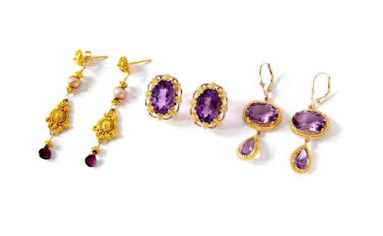 THREE PAIRS OF GOLD AND AMETHYST EARRINGS.