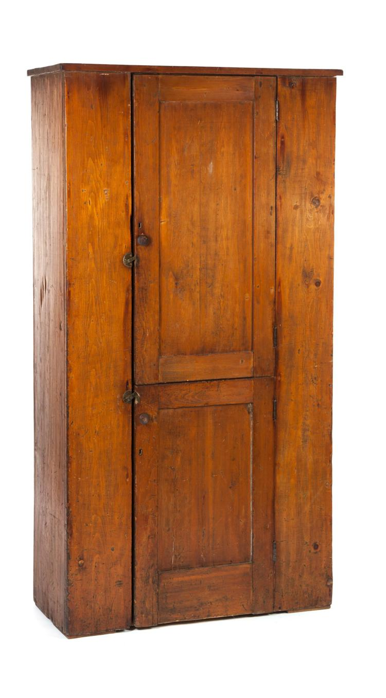 COUNTRY FLATWALL CUPBOARD.