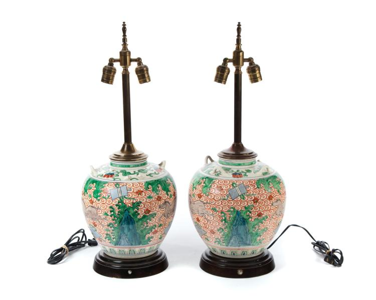 PAIR OF DECORATED CHINESE TABLE LAMPS.