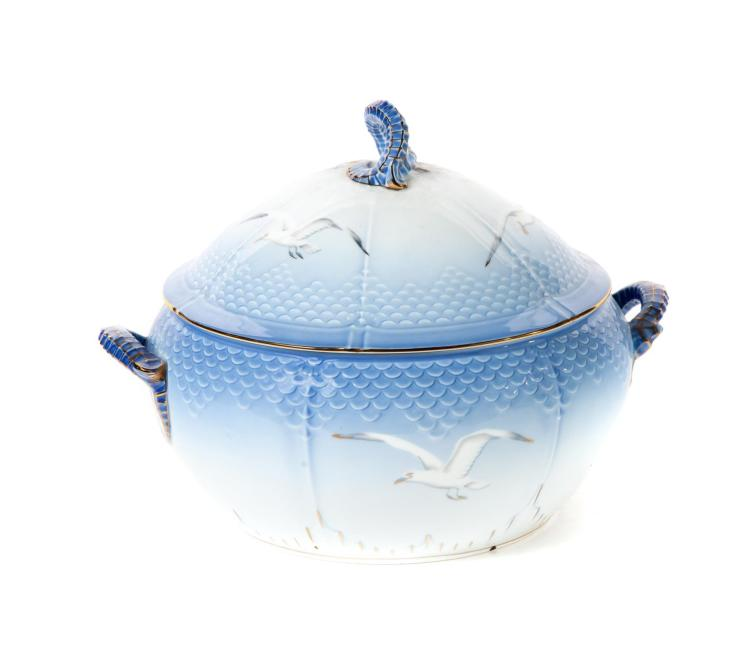 BING AND GRONDAHL LARGE COVERED TUREEN.