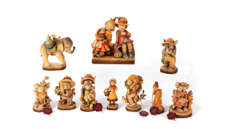 TEN ANRI WOOD CARVED FIGURINES.