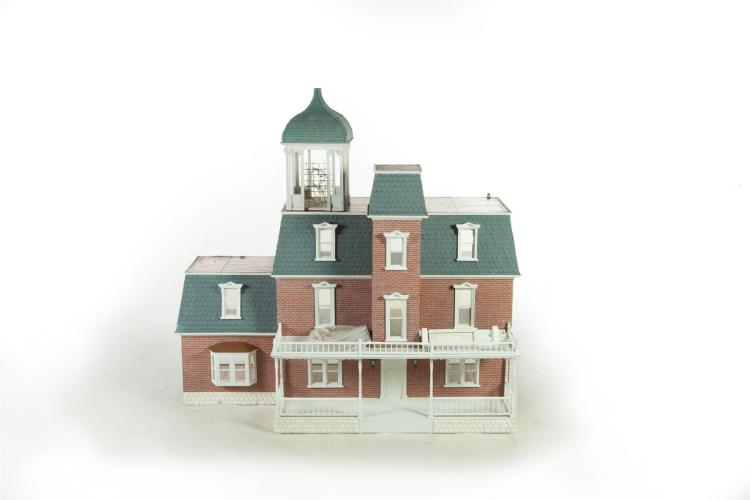 VICTORIAN SECOND EMPIRE-STYLE DOLLHOUSE AND GAZEBO.