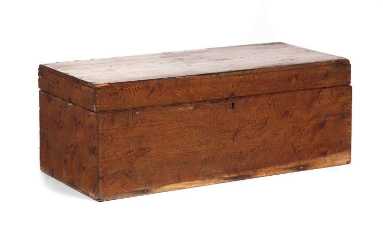 PINE STORAGE BOX WITH PAINT DECORATION.