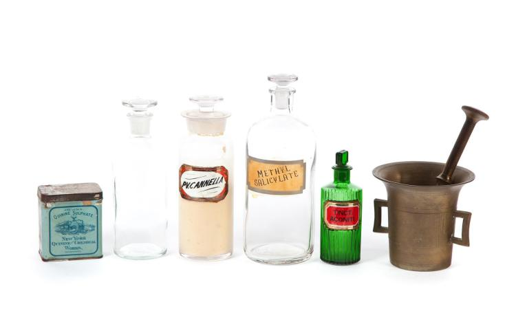 GROUP OF APOTHECARY ITEMS.