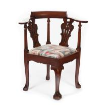 CHIPPENDALE-STYLE CORNER CHAIR.