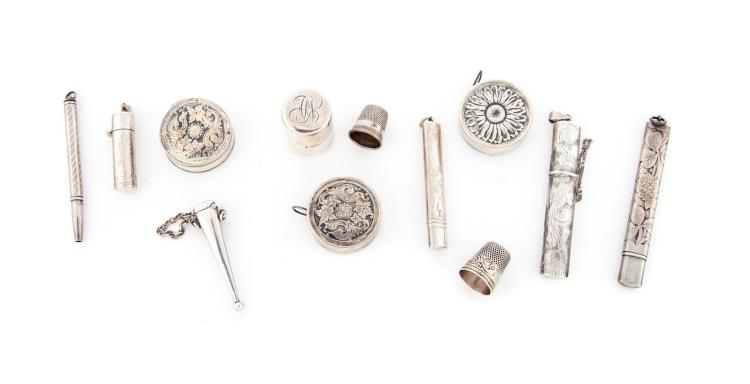 GROUP OF STERLING SEWING ITEMS.
